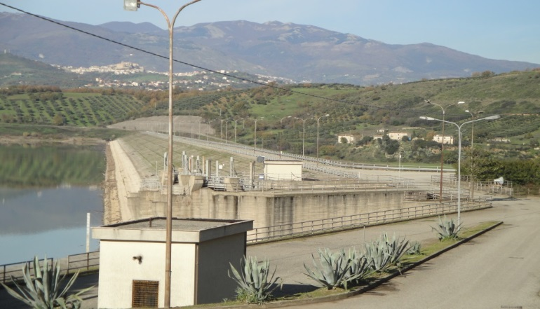 Farneto del Principe Dam (Calabria – Italy) : perfomed the supply and installation of new technology sensors  – Read the news!